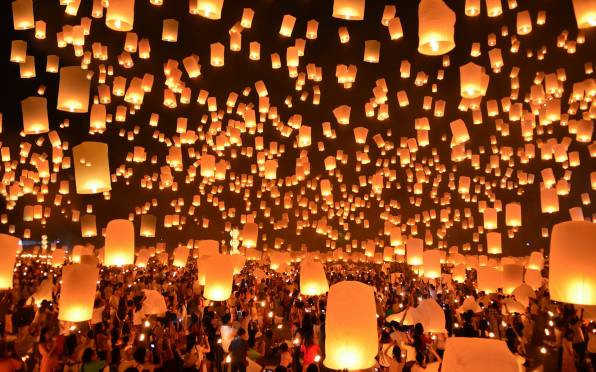 Обои Floating Lanterns Festival Thailand