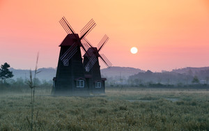 Смотреть обои Building, Fog, Sunrise, Windmill