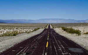 Смотреть обои Road, Marking, Horizon, Desert, Hills