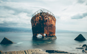 Preview wallpaper of Ship, Rusty, Ruined, Sea, Shore