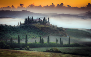Preview wallpaper of Fog, Hill, Italy, Tuscany