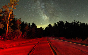 Смотреть обои Starry sky, Night, Road, Light, Trees