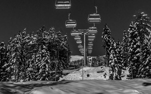 Смотреть обои Ski lift, Winter, Snow, Black and White