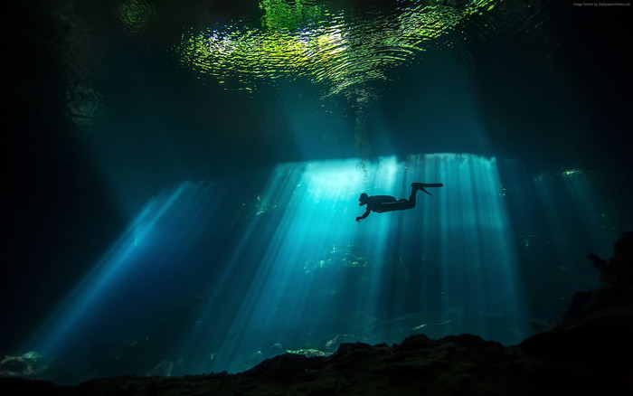 HD Wallpaper of Diver, Sunbeam, Underwater