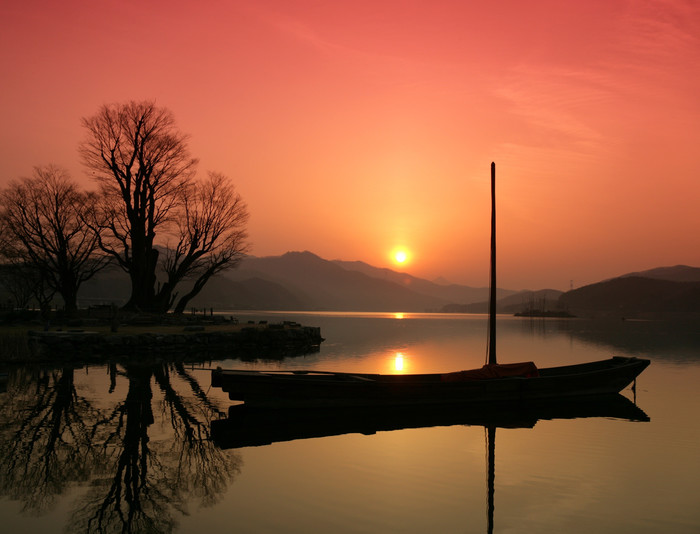 HD Wallpaper of Boat, Lake, Silhouette, South Korea, Sunrise, Tree