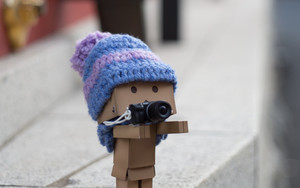 Смотреть обои Danbo, Cardboard Robot, Photographer, Camera, Blur