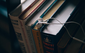 Preview wallpaper of Headphones, Books, Education