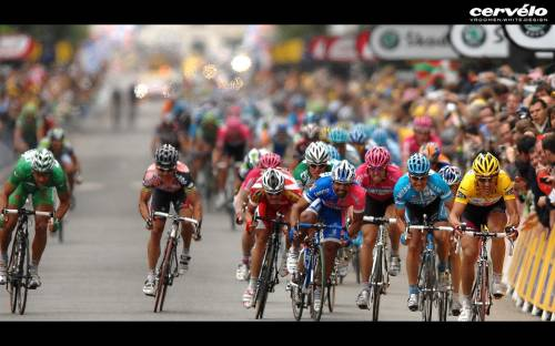 HD Wallpaper of Cyclists, Race, Fans