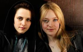Смотреть обои The Runaways, Kristen Stewart, Dakota Fanning