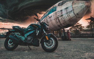 Смотреть обои Motorcycle, Airplane, Side View, Clouds