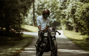 Смотреть обои Motorcyclist, Motorcycle, Helmet, Road, Summer