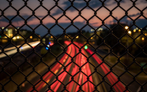 Preview wallpaper Fence, Mesh, Blur, Night, Street
