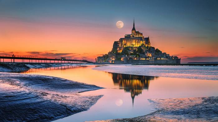 HD Wallpaper of Mont Saint Michel на закате