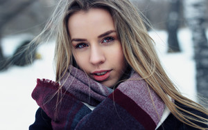 Смотреть обои Model, Woman, Girl, Blonde, Snow, Winter