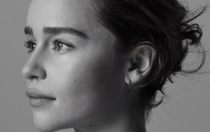 Preview wallpaper of Actress, Emilia Clarke, English, Face, Monochrome