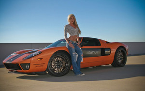 Смотреть обои Model, Girl,  Woman, Orange, Car, Ford