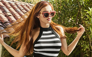 Preview wallpaper Actress, American, Bella Thorne, Long Hair