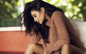 Preview wallpaper of Shay Mitchell, Hot, Brunette