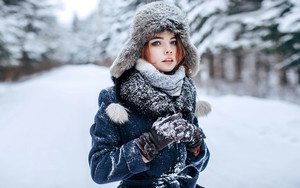 Preview wallpaper  <b>Blue</b> <b>Eyes</b>, Girl, Hat, Model, Scarf, Winter, Snow