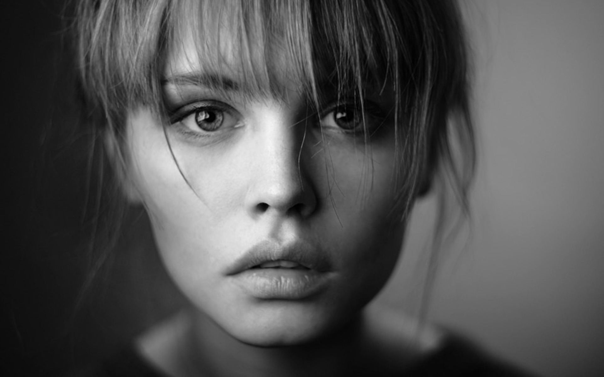 Wallpaper of anastasiya scheglova girl model black and white background hd image