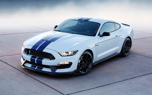 Preview wallpaper of Ford Mustang Shelby GT350, MuscleCar, White