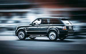 Смотреть обои Range Rover, Side Wiew, Speed, Motion