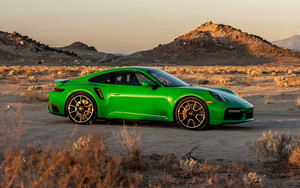 Preview wallpaper of porsche 911, turbo s, green
