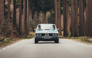 Смотреть обои Auto, Road, Front view, Trees, BMW