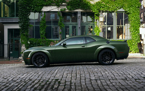 Смотреть обои Dodge Challenger SRT Hellcat,  Green, Car
