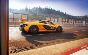 Preview wallpaper  McLaren P1, <b>Supercar</b>, гоночный трек
