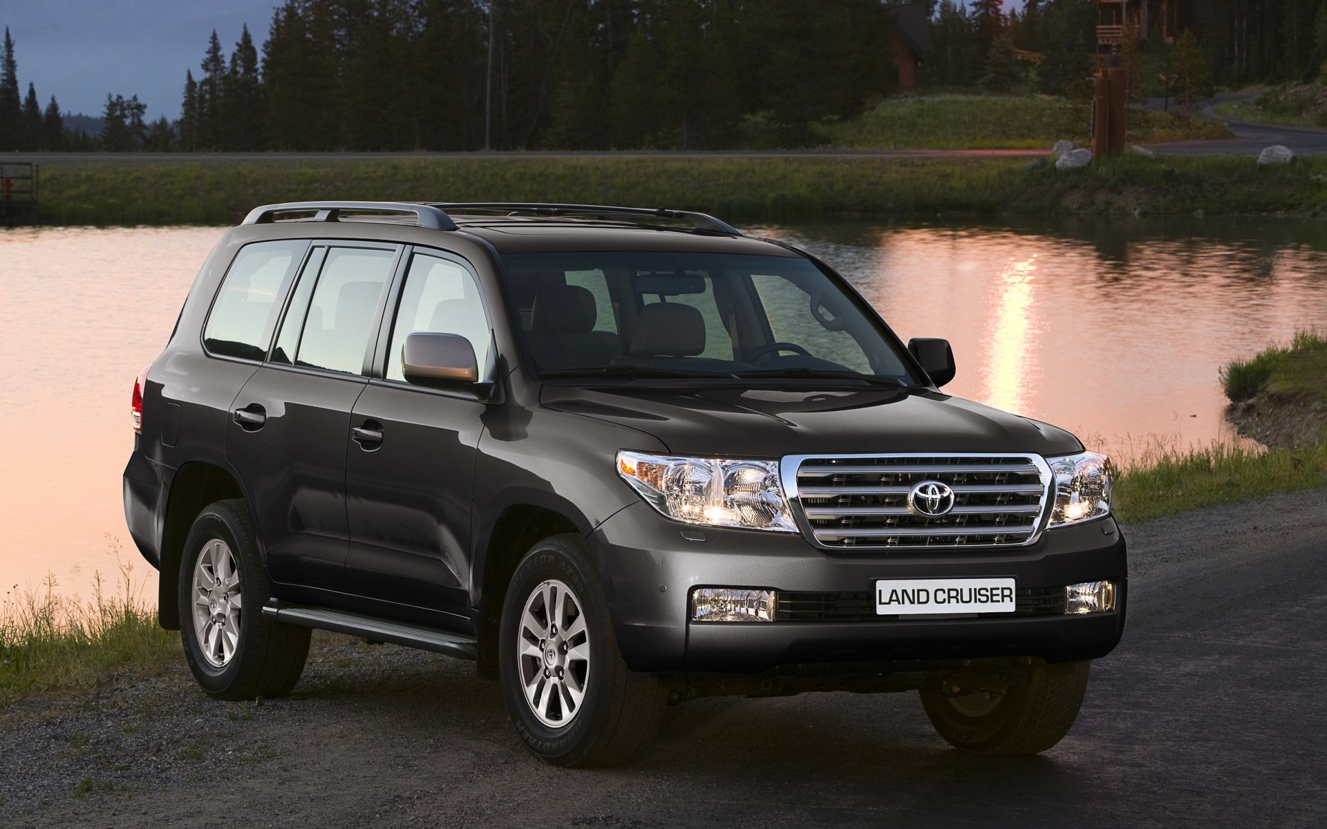 Wallpaper Of черный Toyota Land Cruiser 200 Background Hd