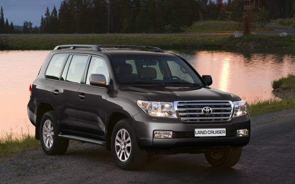 HD Wallpaper of Черный Toyota Land Cruiser 200