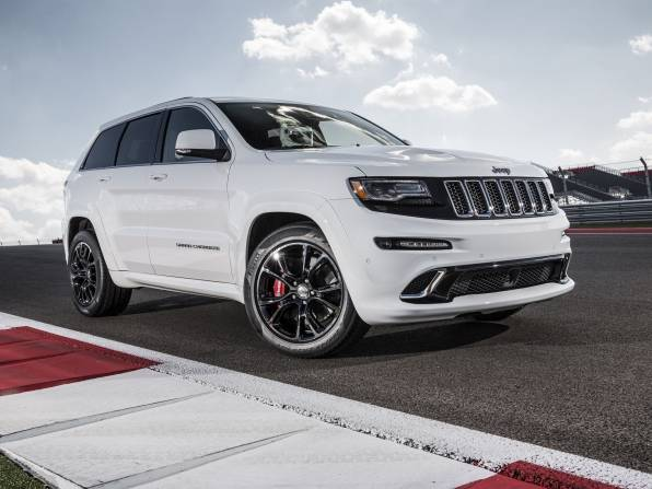 Обои Jeep Grand Cherokee SRT белого цвета