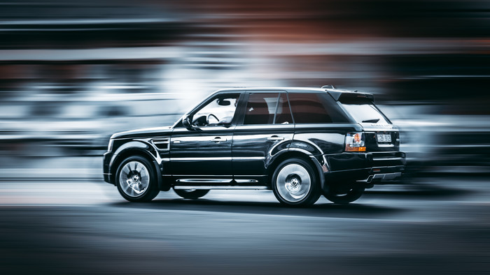 HD Wallpaper of Range Rover, Side Wiew, Speed, Motion