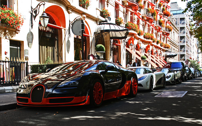 HD Wallpaper of Vehicles, Bugatti Veyron, SuperCar, Road, Street