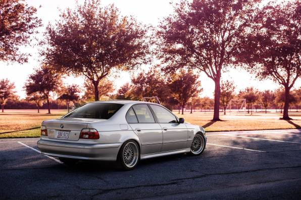 HD Wallpaper BMW E39, осень, парковка