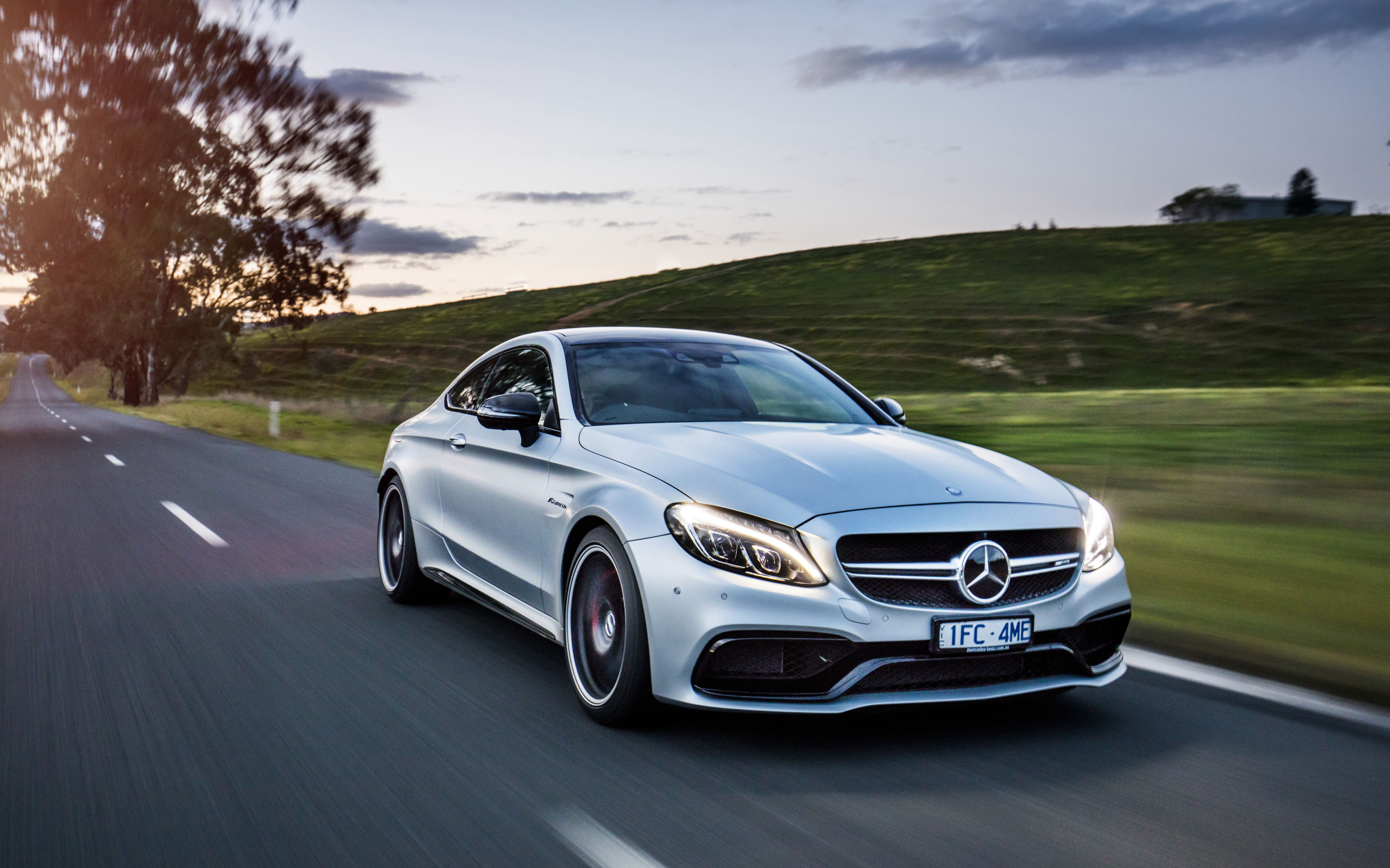Wallpaper Of White Luxury Car Mercedes Benz C Class