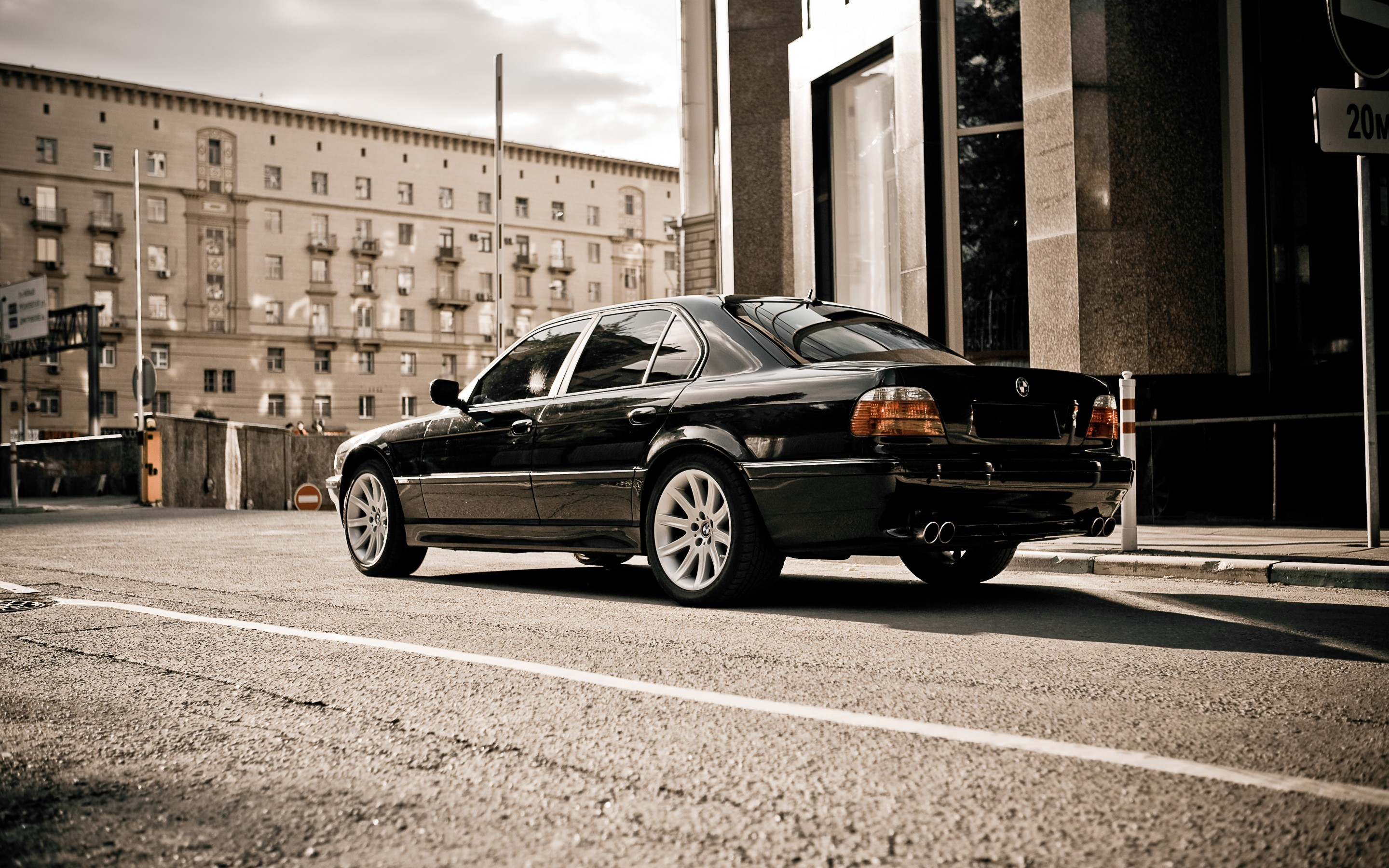 Wallpaper Bmw 750 E38 City Black Ubackground Com