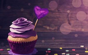 Preview wallpaper of roses, cupcake, cake