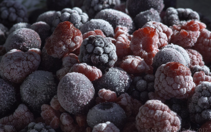 HD Wallpaper of Berries, Frozen, Raspberries, Blackberries